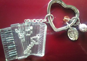 Accordion_key_holder